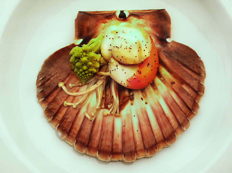 Romanesco broccoli, lilly mushrooms and scallop in ginger, lime and soya sauce