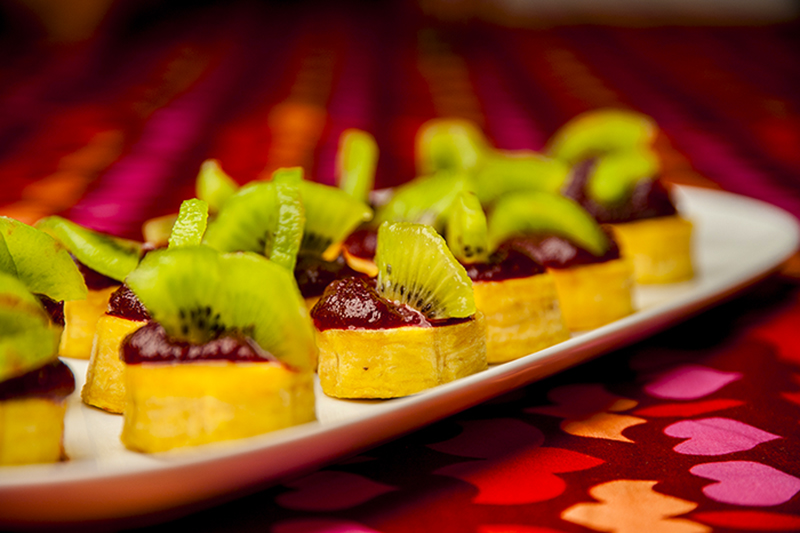 Plantain, spicy beetroot and kiwi